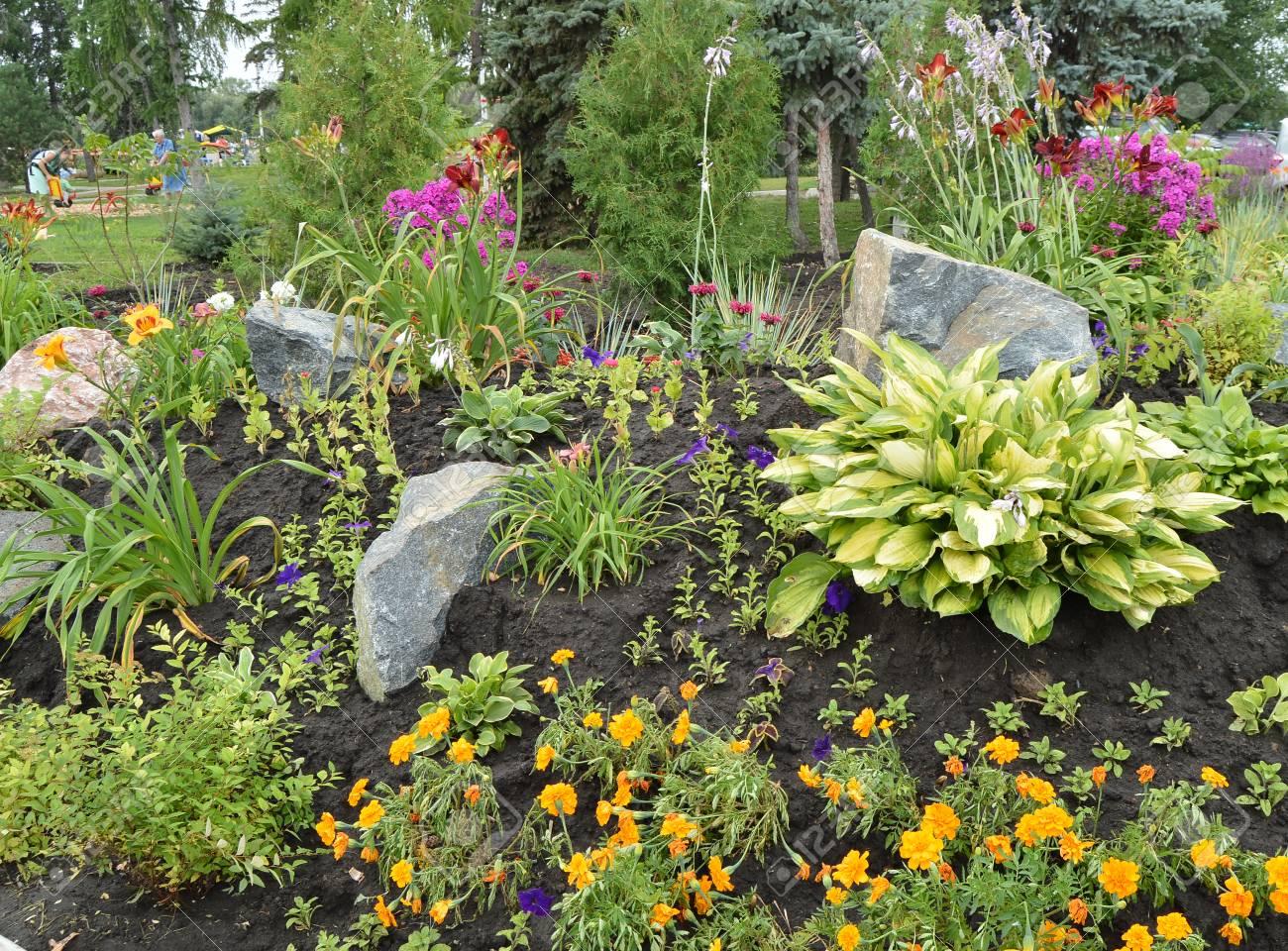 Обустройство участка: Клумбы и цветники, альпийские горки