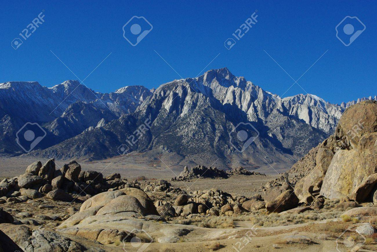 Alabama Hills and Sierra Nevada, California Stock Photo - 12192206