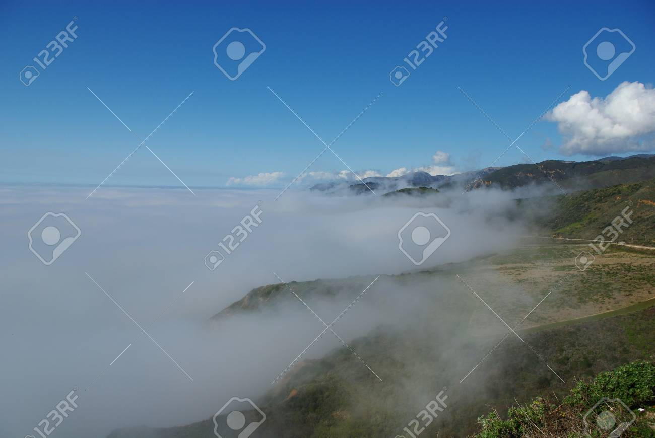 Fog on Pacific Ocean and coast, Highway 1, California Stock Photo - 12732748