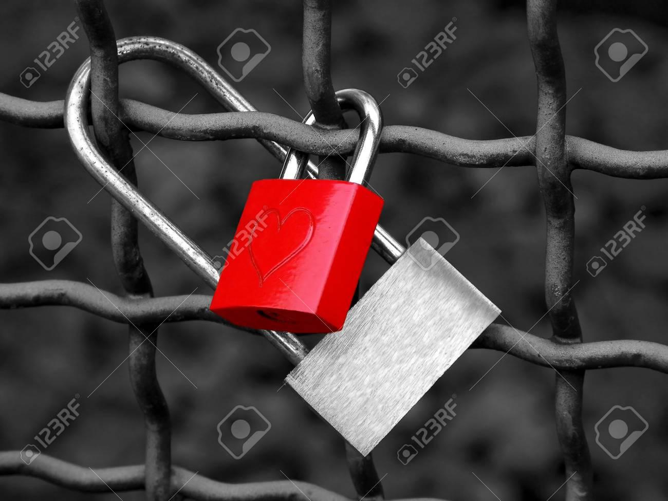 Love Locks Standard-Bild - 12945984