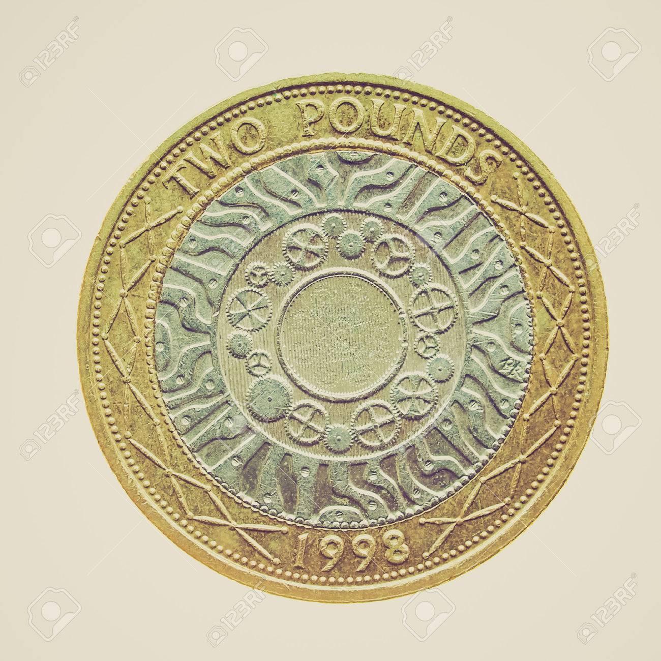 Weinlese Die Zwei Pfund Münze Isoliert über Einen Weißen