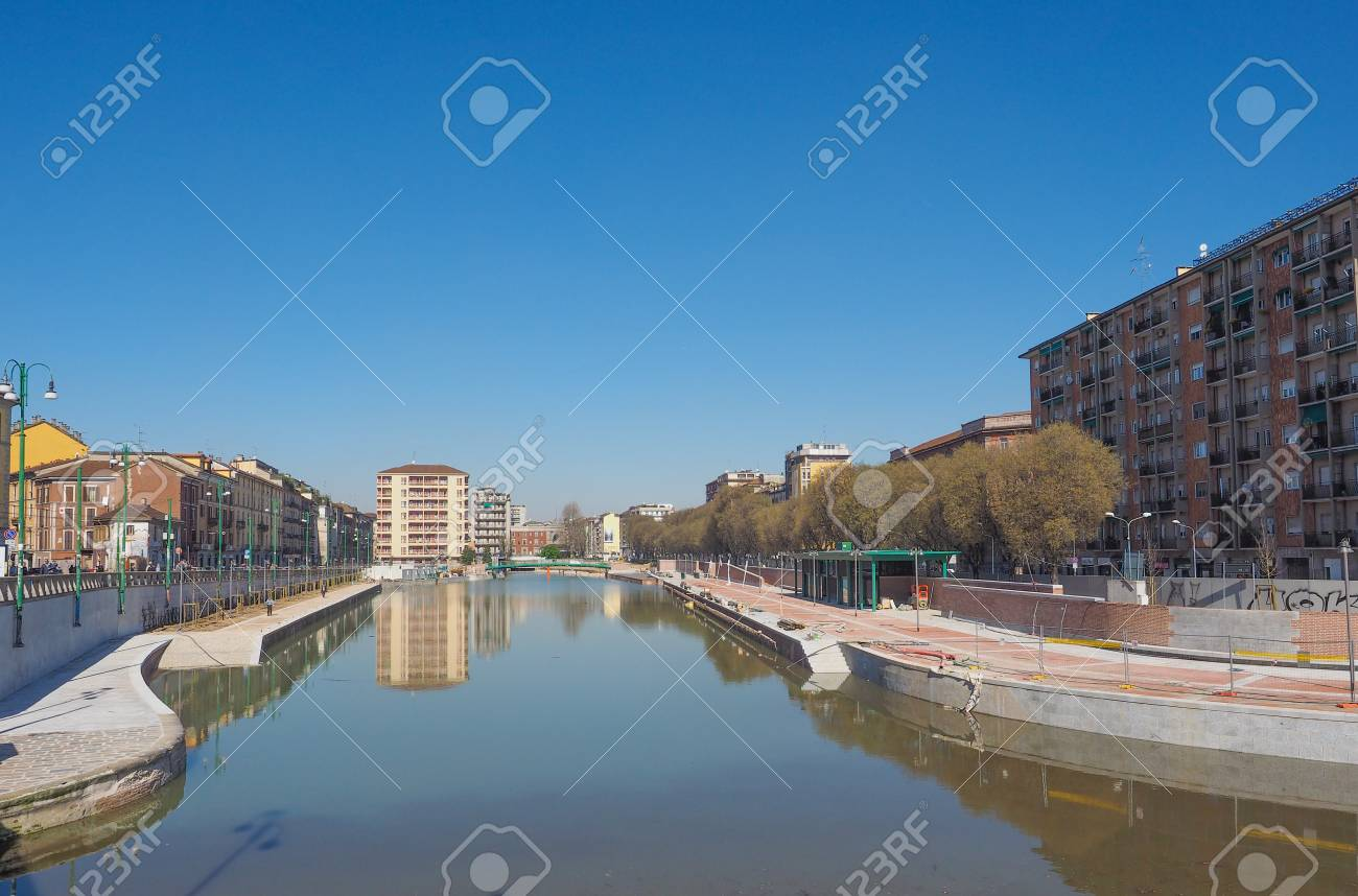 Mailand, Italien - 28. März 2015: Die Stadt Als Hafen Von La Darsena ...