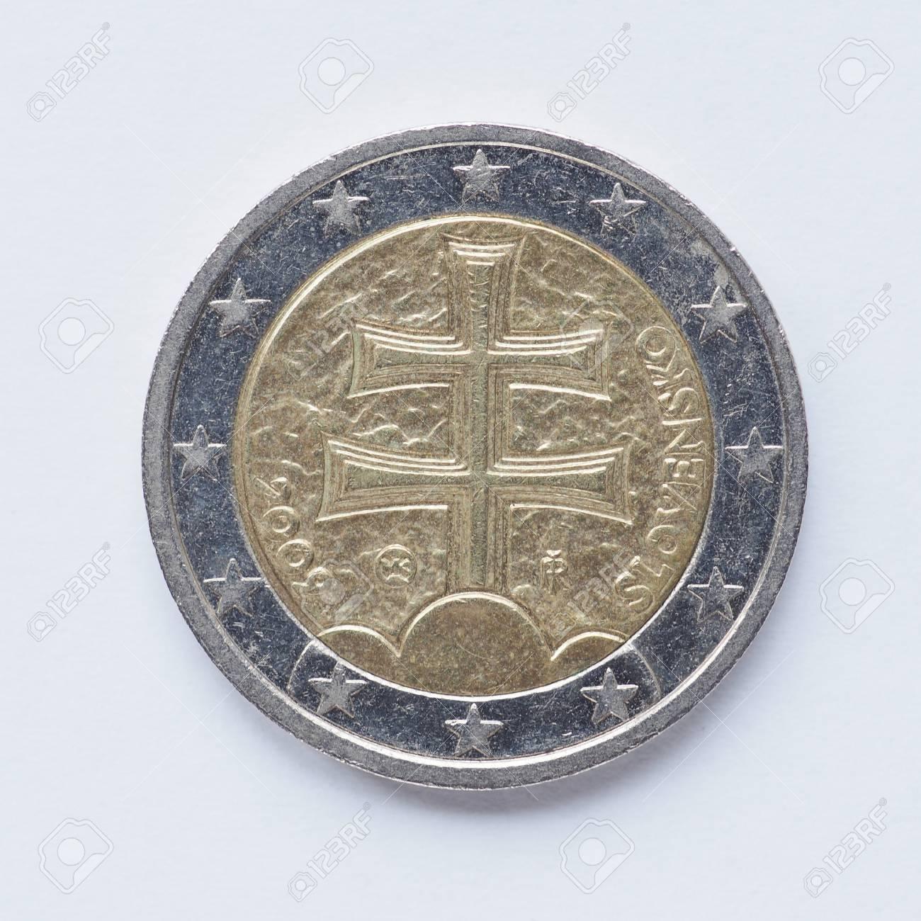 Währung Europas 2 Euro Münze Aus Der Slowakei Lizenzfreie Fotos