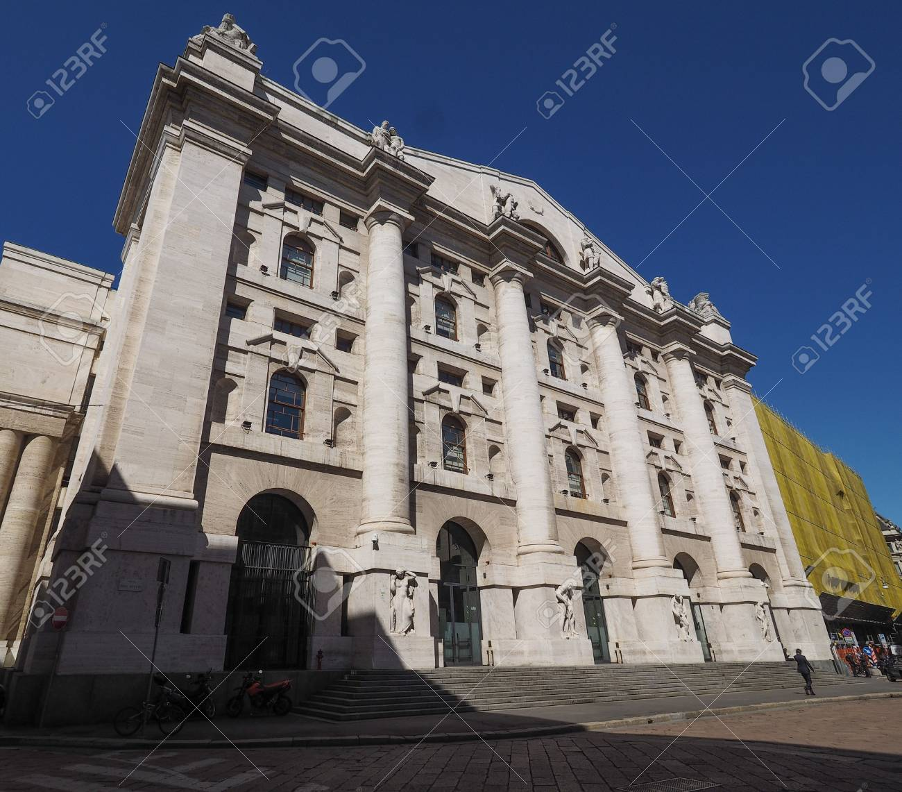 Di MilánEn Bolsa Piazza Milanoque De Cuadrado Borsa Significa Affari MilánItalia pqUzMLVGS
