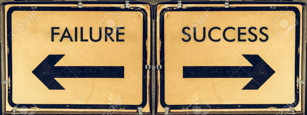 Vintage Que Mira El Signo De Flecha De Dirección Flecha Hacia Atrás