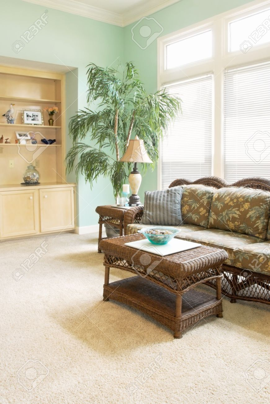 Beach Look Furniture Part - 48: Home Interior With A Tropical Beach Look Wicker Furniture Bowls