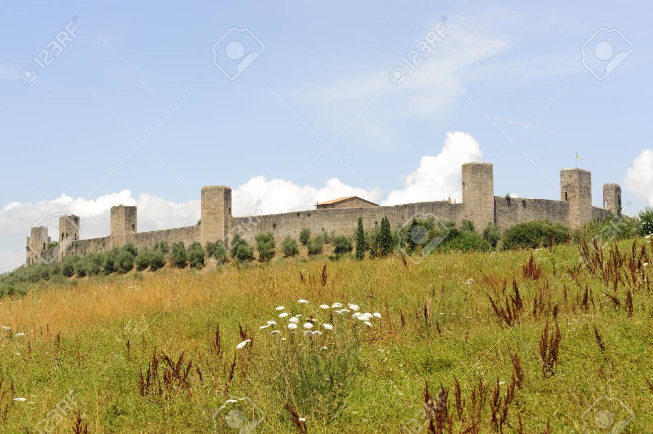 Monteriggioni (Siena, Tuscany, Italy), historic fortificated town Stock Photo - 11317852