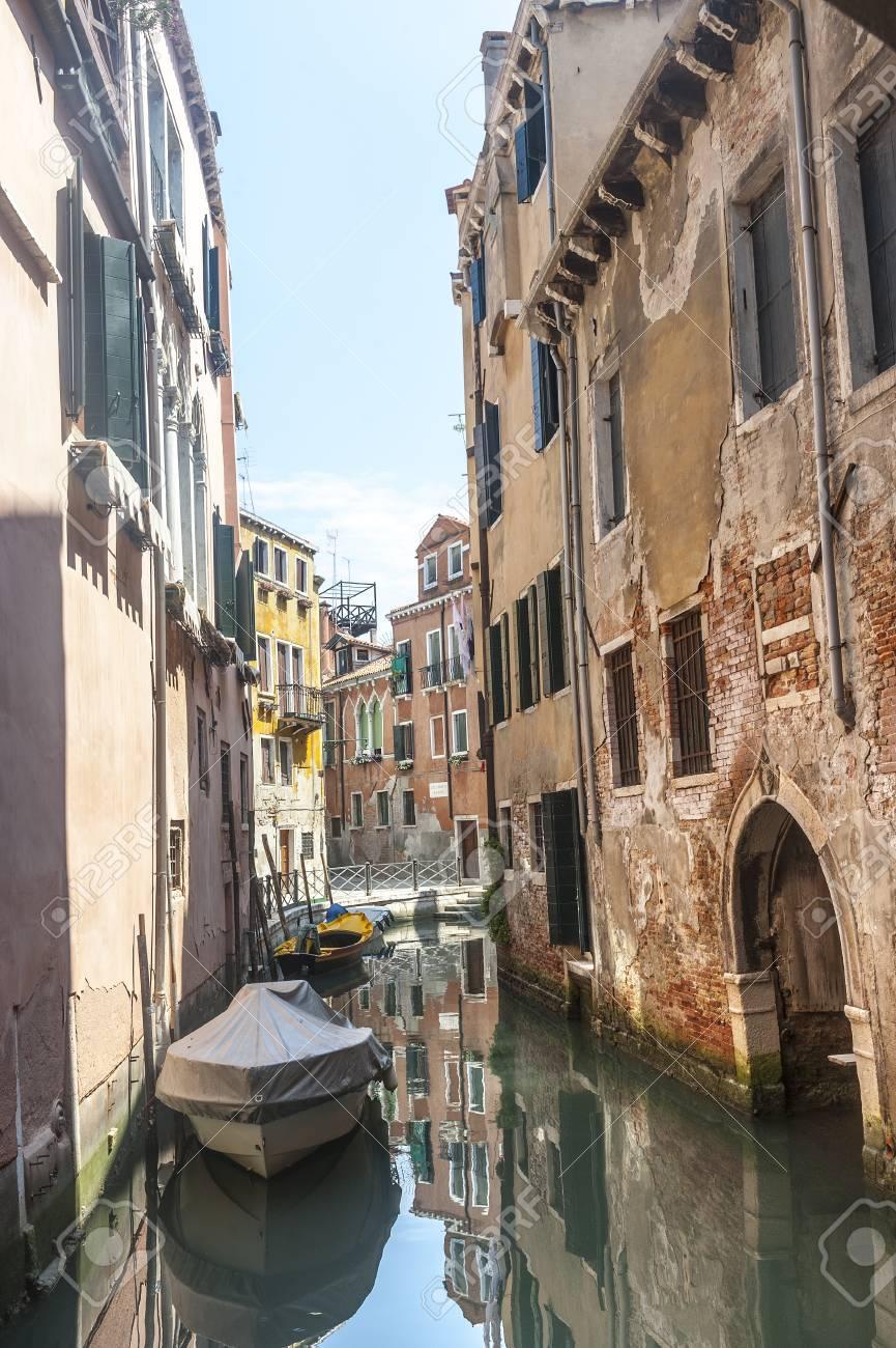 Venice (Venezia, Veneto, Italy), a typical canal and boats Stock Photo - 15137670