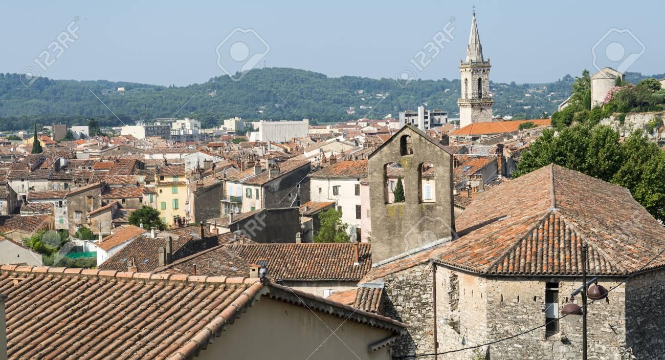 https://previews.123rf.com/images/clodio/clodio1402/clodio140200202/25852129-draguignan-var-provence-alpes-c%C3%B4te-d-azur-france-vue-panoramique.jpg