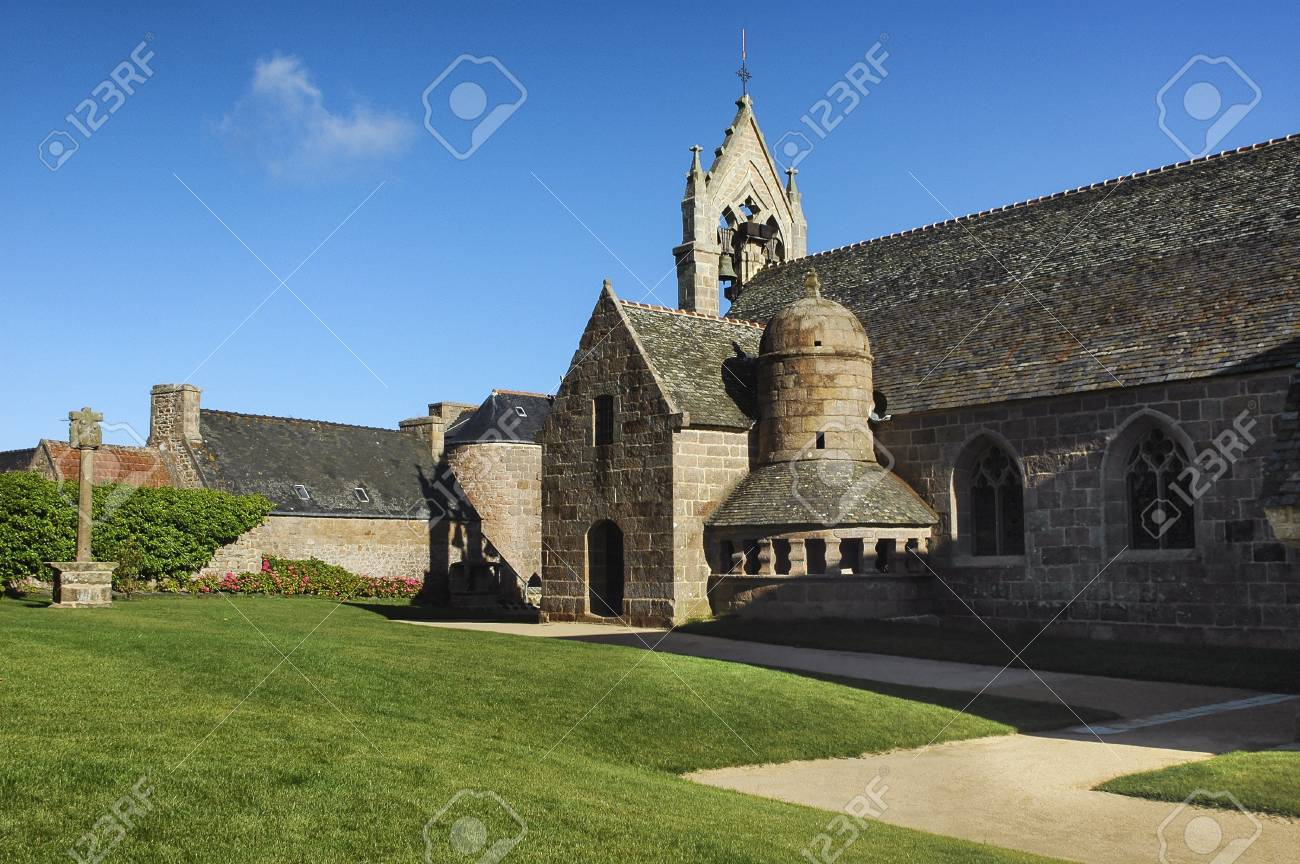 Architecte Cotes D Armor tregastel (cotes-d'armor, brittany, france): the medieval church..