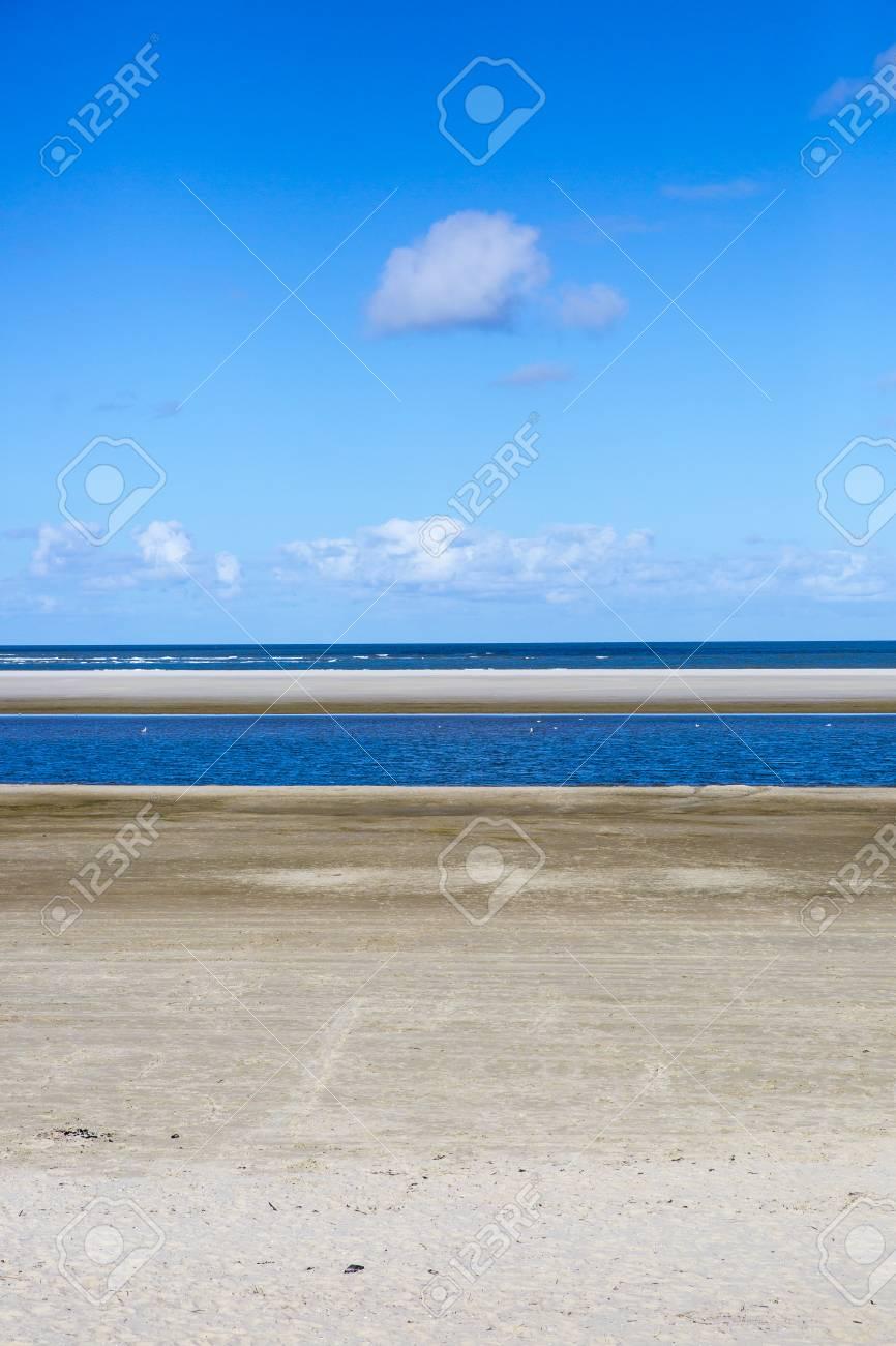 オランダの島アーメラント島で空...