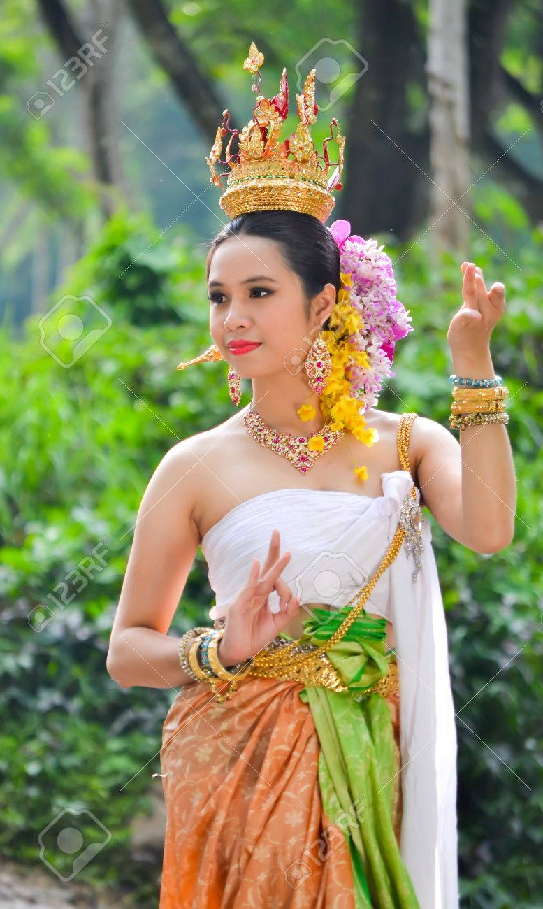 ff3c74ba3 Asian Women In Traditional Costume Of Thailand Southeast Asia Stock Photo -  16192970 Sc 1 St 123RF.com