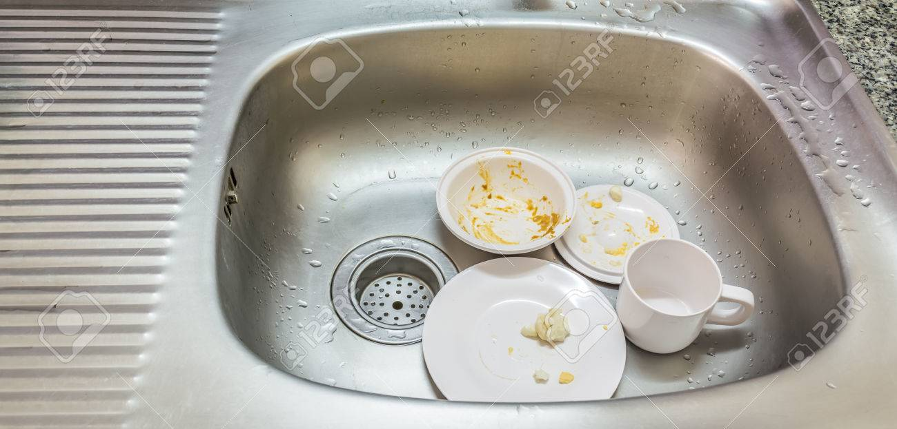 40284940-kitchen-conceptual-image-dirty-