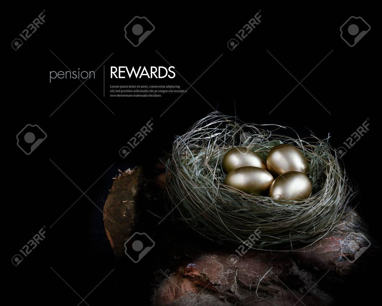 concept afbeelding creatief verlicht voor investeringen pensioenen en financile planning gouden eieren genesteld in een
