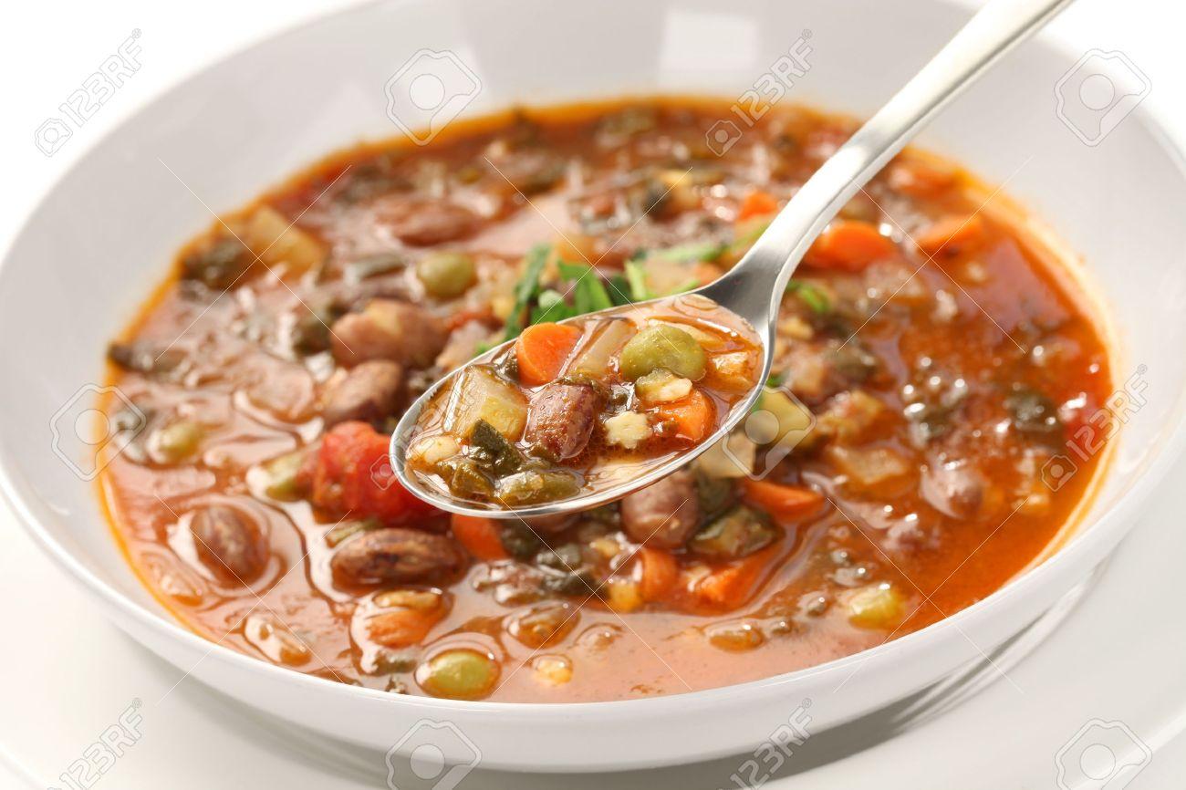 Mercredi 16 novembre 17019781-soupe-minestrone-maison-la-cuisine-italienne-Banque-d'images