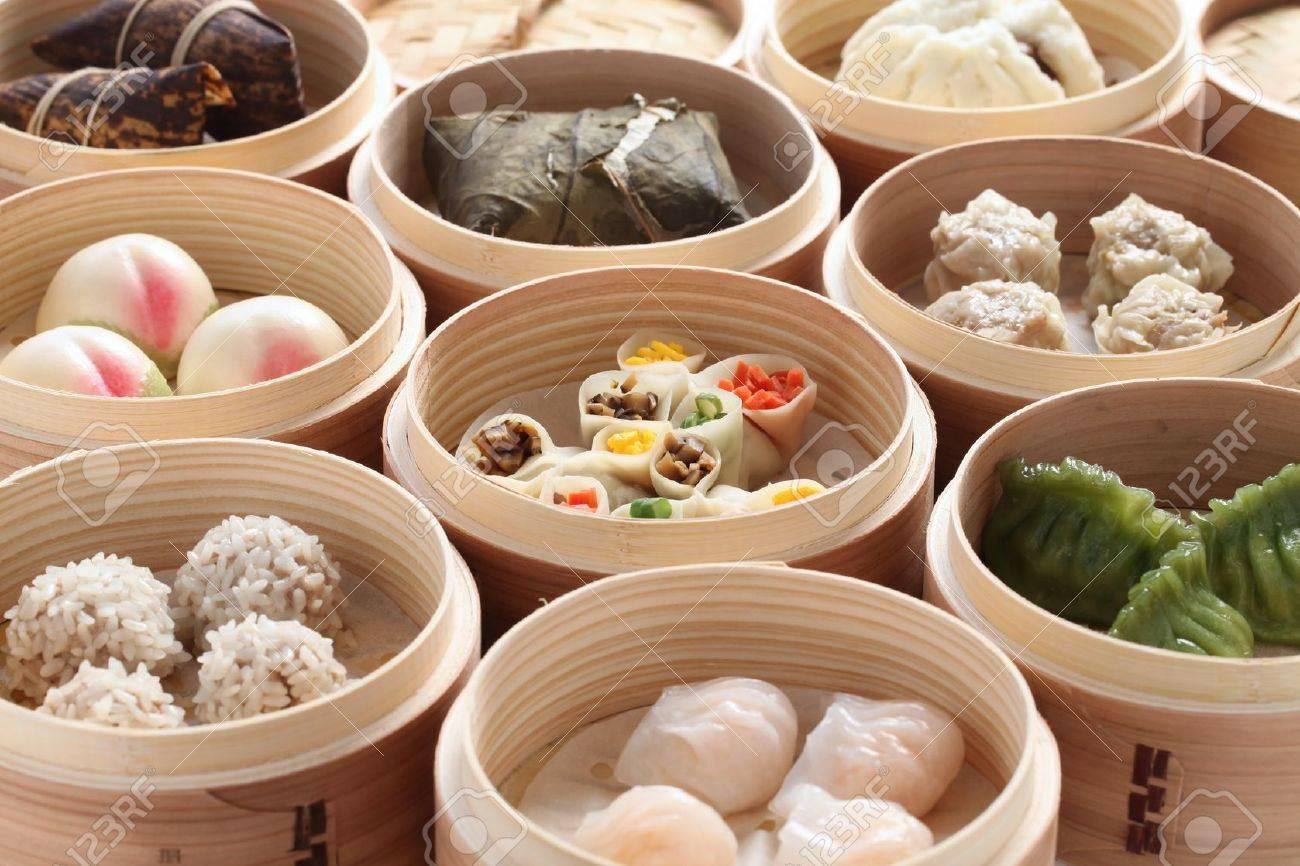 Chinesische Küche   Yumcha Dim Sum In Bambus Dampfer Chinesische Kuche Lizenzfreie