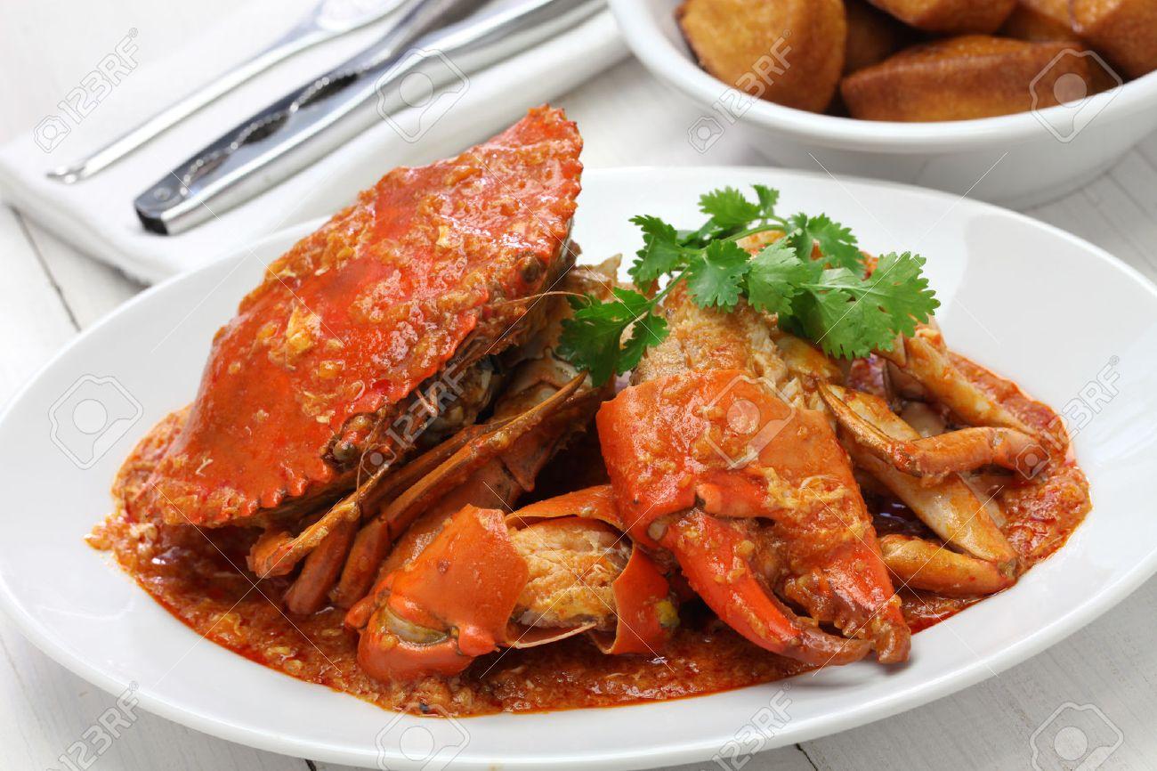 chilli mud crab with fried mantou, singapore cuisine Stock Photo - 46611860