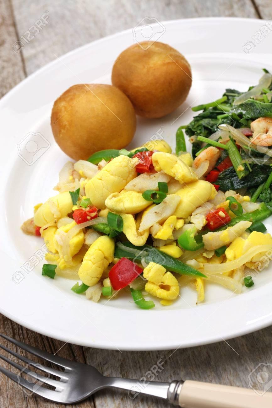 Jamaican Frühstück Von Ackee Und Salzfisch, Callaloo, Jamaikanisch ...