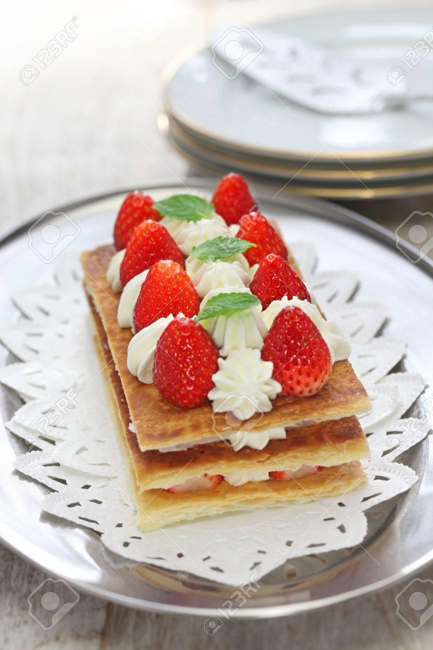 Hausgemachte Erdbeer Millefeuille Napoleon Kuchen Franzosisch