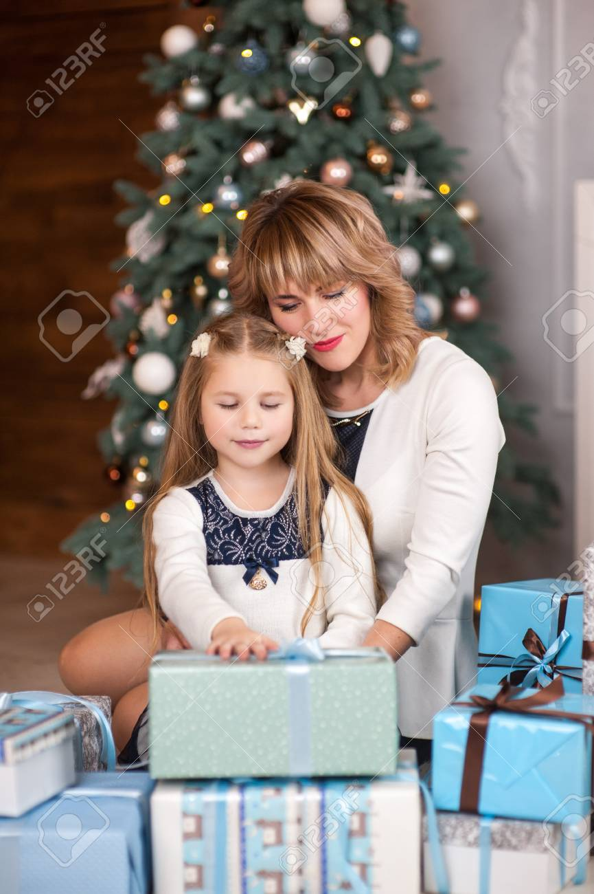 What to give mom from daughter 78