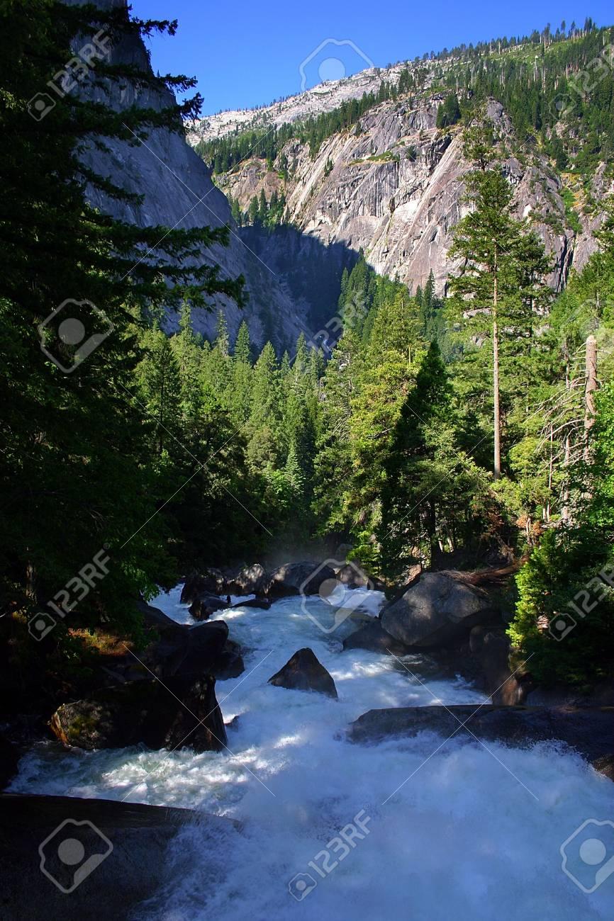 The Yosemite Valley in Yosemite National Park, California Stock Photo - 614283