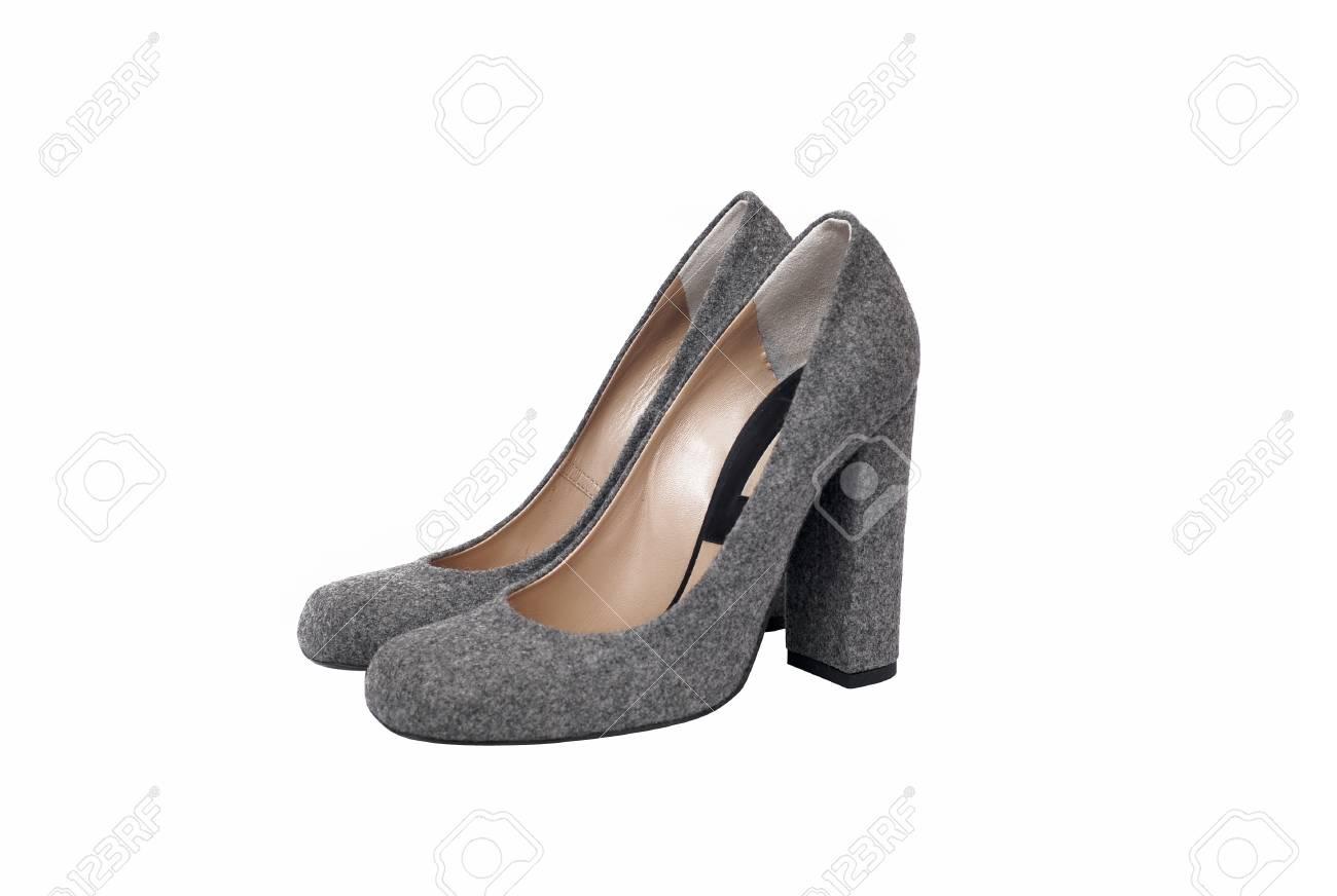 92b2ffef Foto de archivo - Luxury grises zapatos de cuero de tacón mujer aislada en  el fondo blanco
