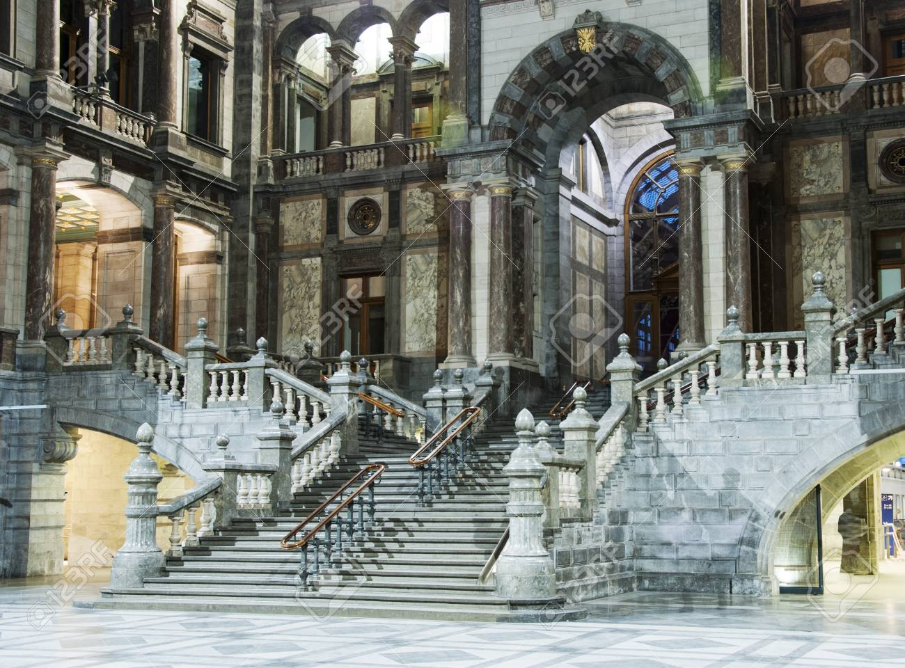 Marble In Antwerpen : Inside of the belgium train station with the marble staircase