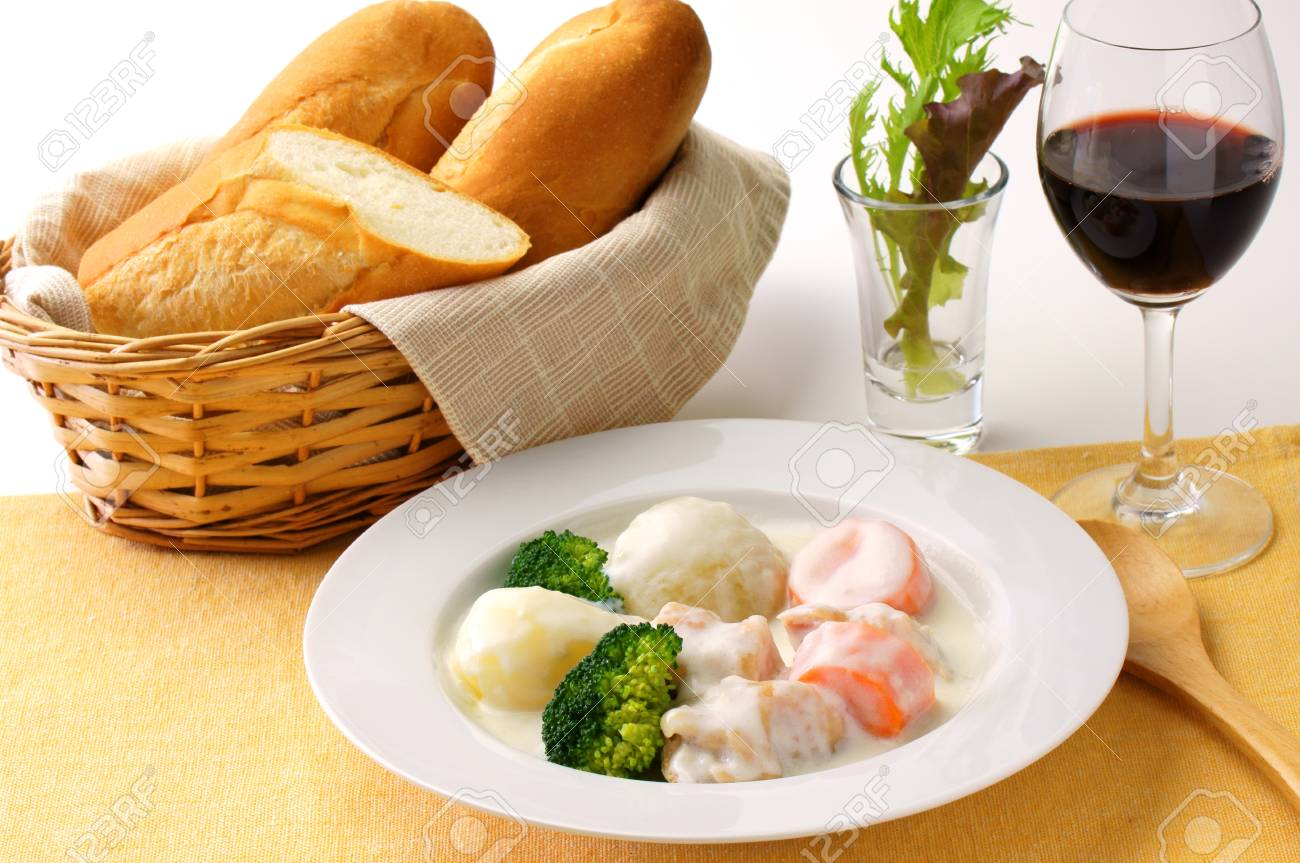white stew with chicken and vegetables Stock Photo - 15589013
