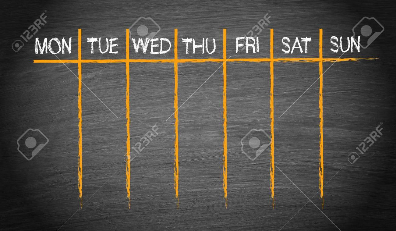 Weekly Calendar on chalkboard background - 50027309