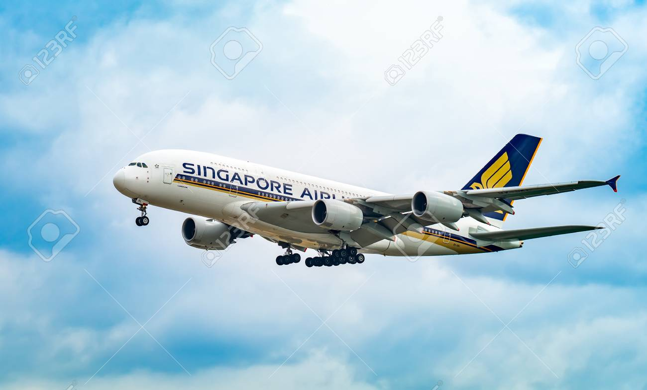 AIRPORT FRANKFURT,GERMANY: JUNE 23, 2017: Airbus A380 Singapore Airlines Limited is the flag carrier airline of Singapo re with its hub at Singapore Changi Airport. - 105847030