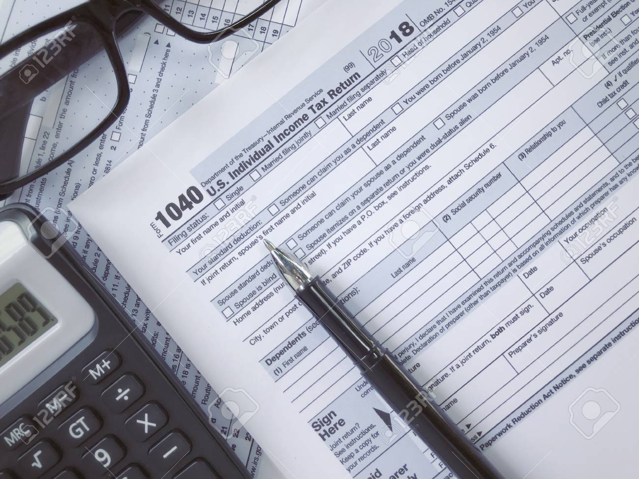 United States federal income tax return IRS 1040 documents, with