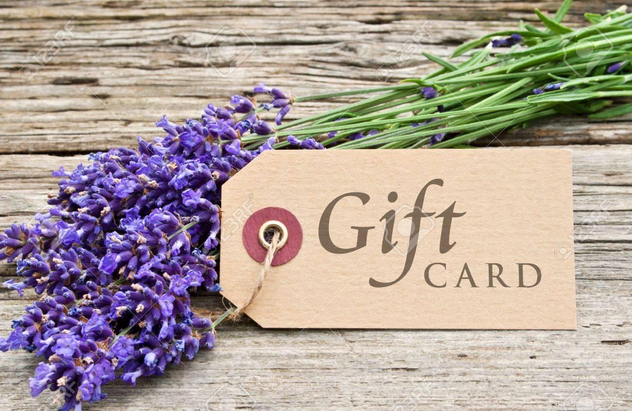 lavender and gift card Standard-Bild - 21719747
