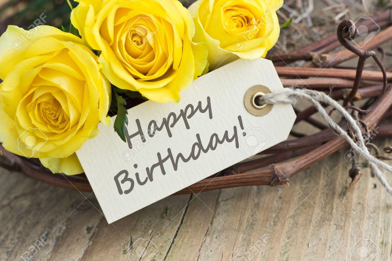 Tarjeta De Cumpleaños Con Rosas Amarillas Fotos Retratos Imágenes