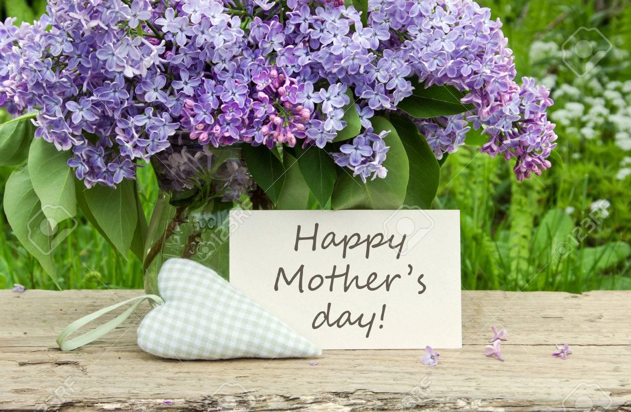 Mutter s Day-Karte mit Bouquet von Flieder Standard-Bild - 27985689