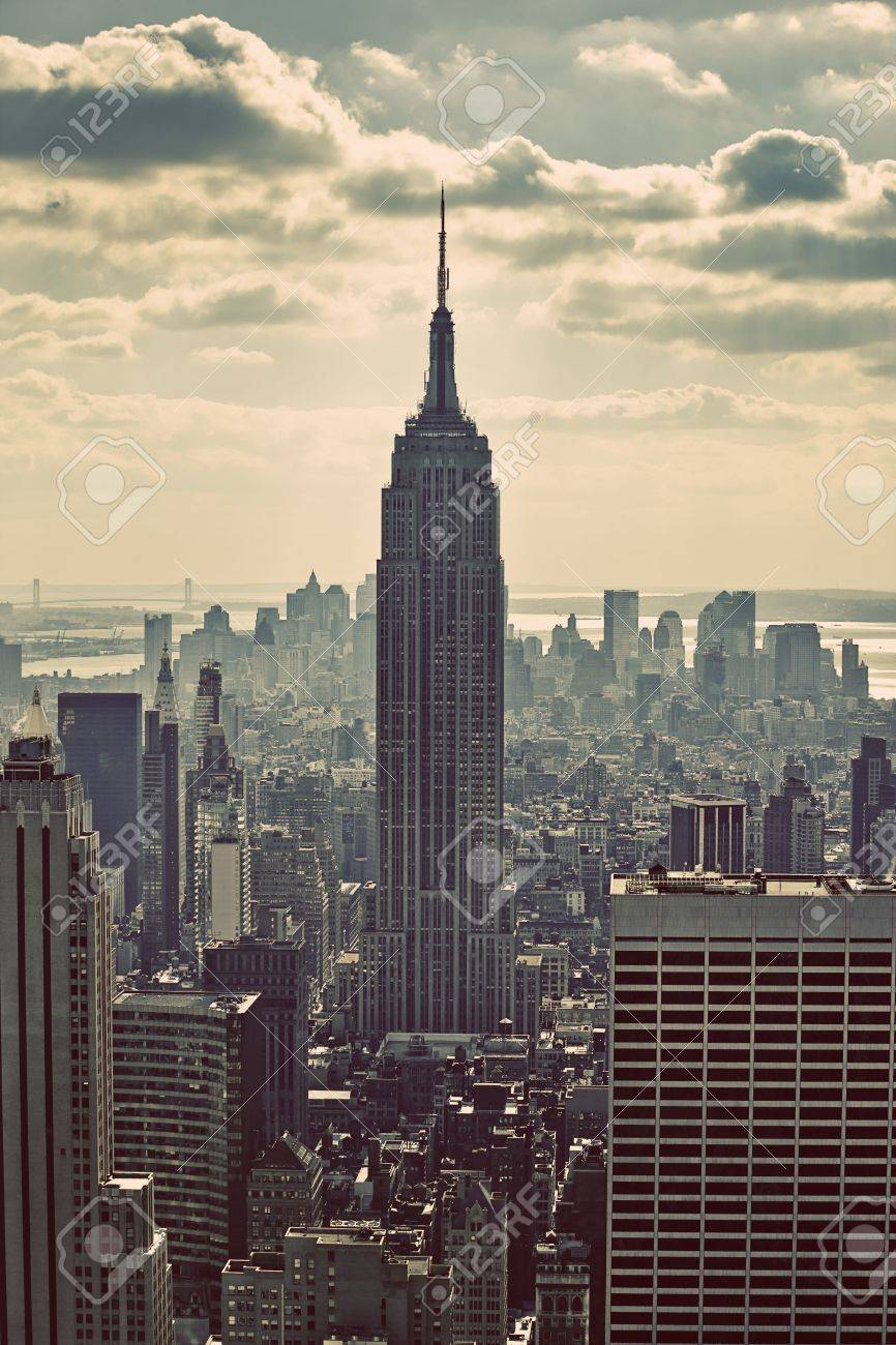 NYC skyline and the Empire State Building Stock Photo - 4714266