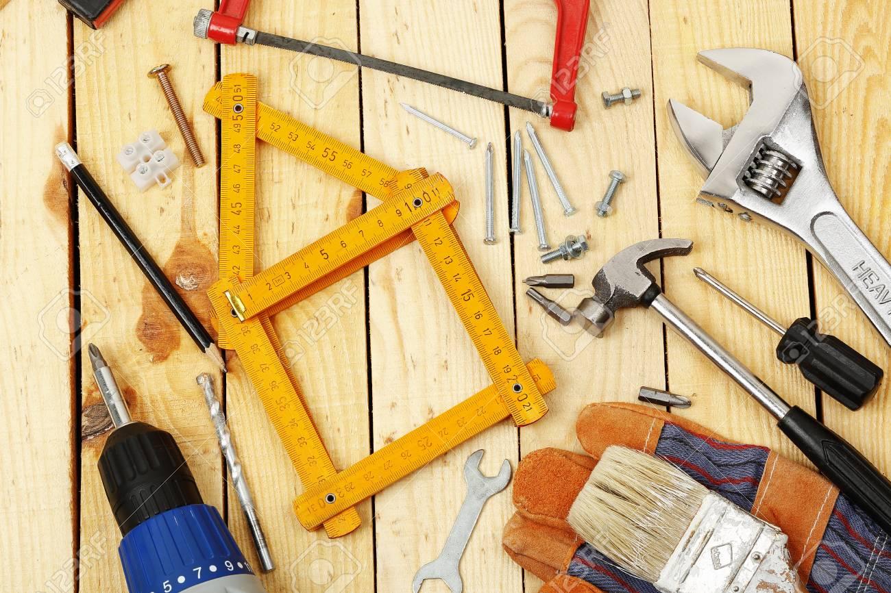 Maßstab Wie Ein Haus Durch Eine Reihe Von Werkzeugen Für Heimwerker ...