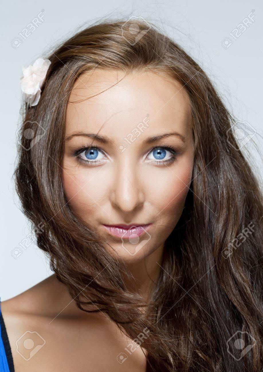 Augen blaue dunkle haare Seltene Kombination: