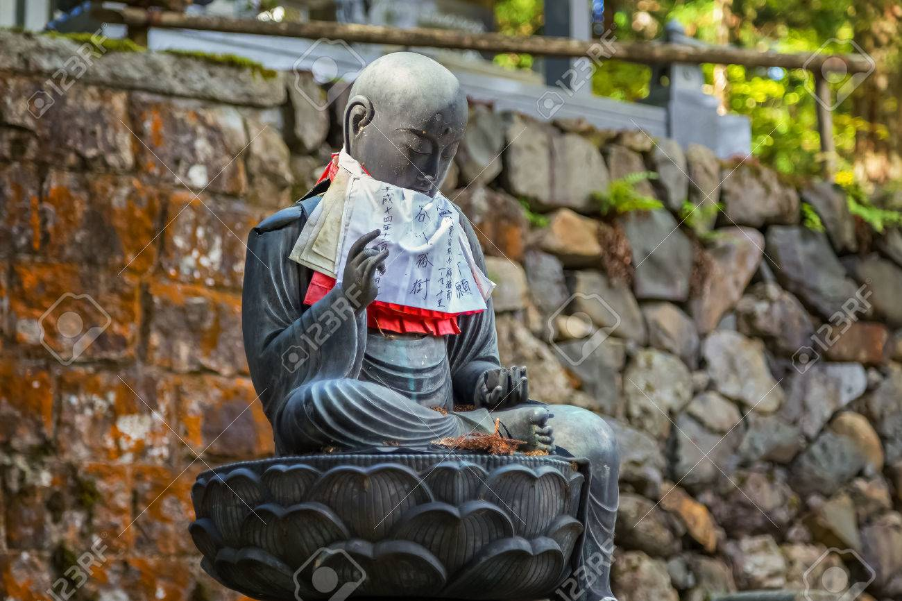 Estatuas De Buda Japons Jizo Bodhisattva En El rea De Koyasan