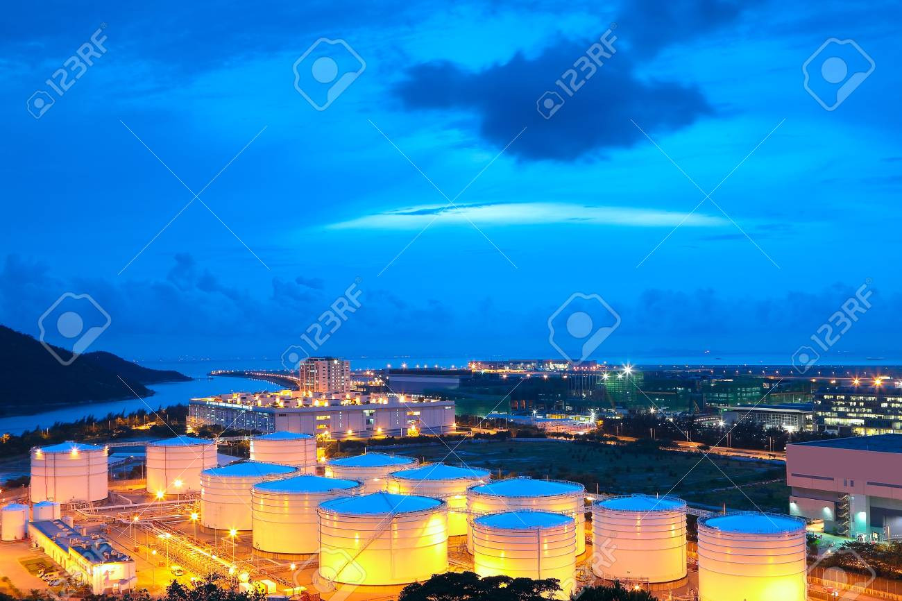 gas tank at night Stock Photo - 14331153