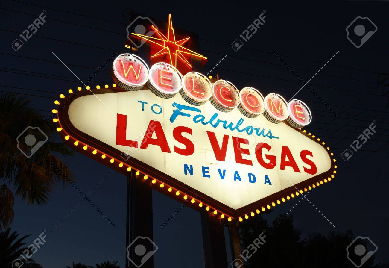 Welcome To Las Vegas neon sign at night Stock Photo - 3468601