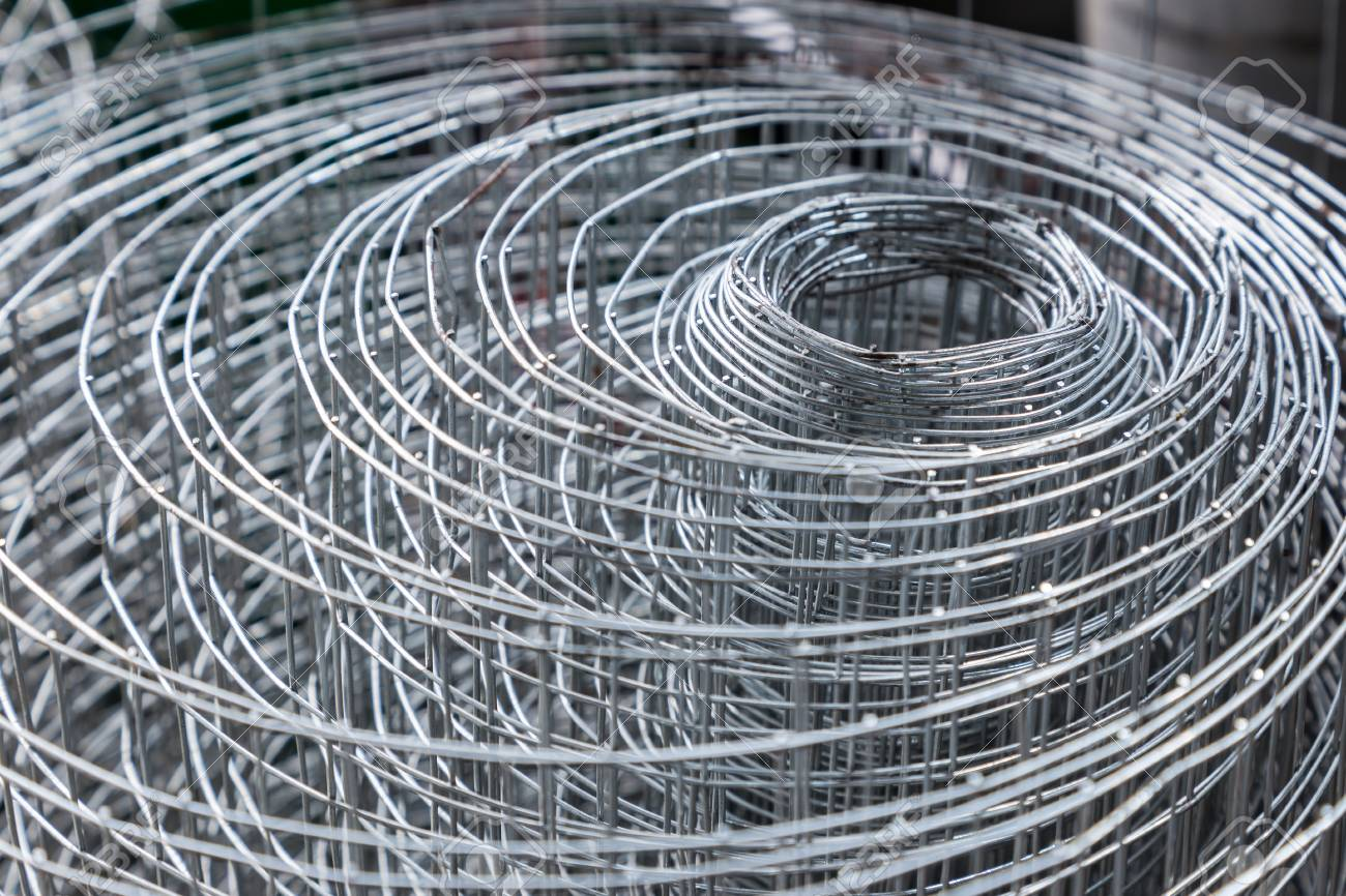 Rolls Of Plastic Chicken Wire Meshes, Aluminum Wire Meshes, And ...
