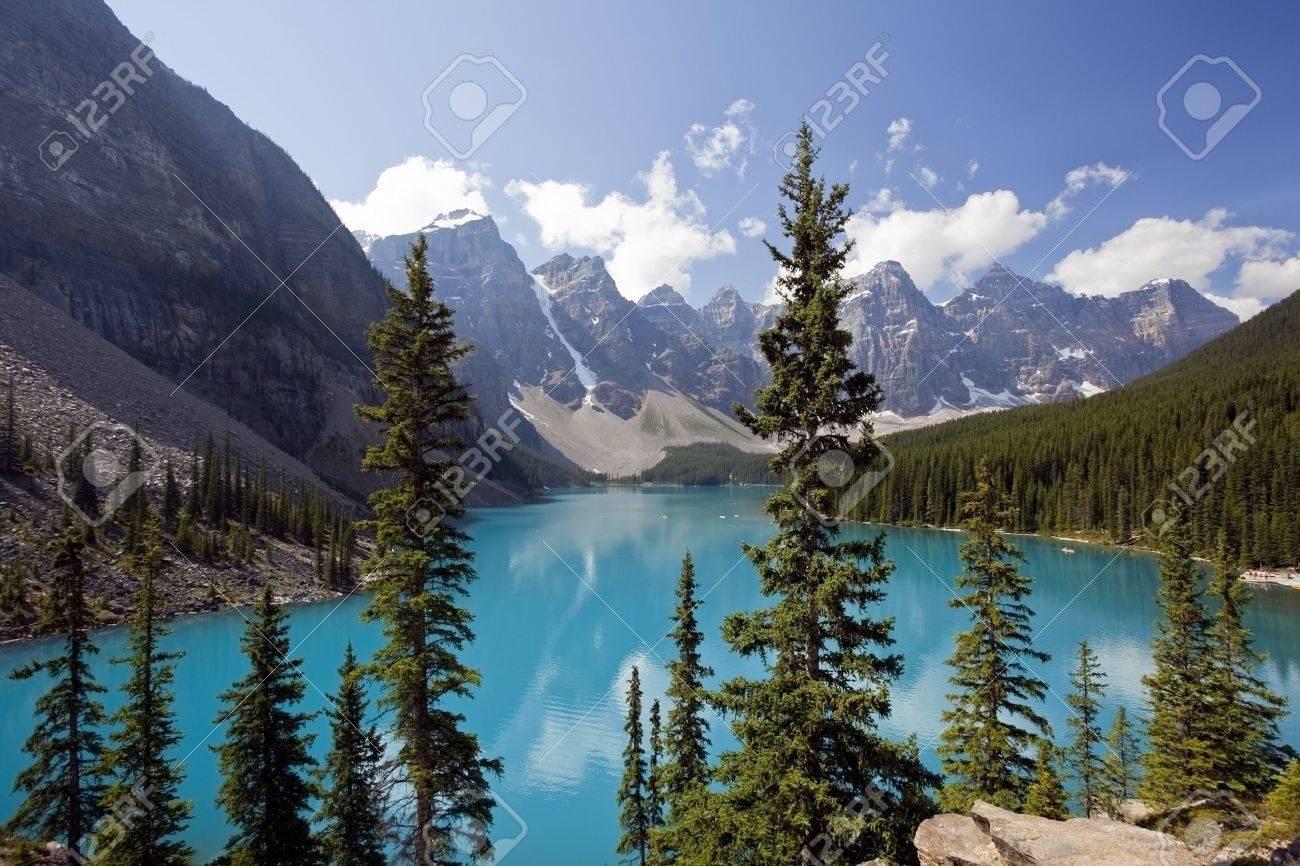 Moraine Lake, Banff National Park, Alberta, Canada - 11624679