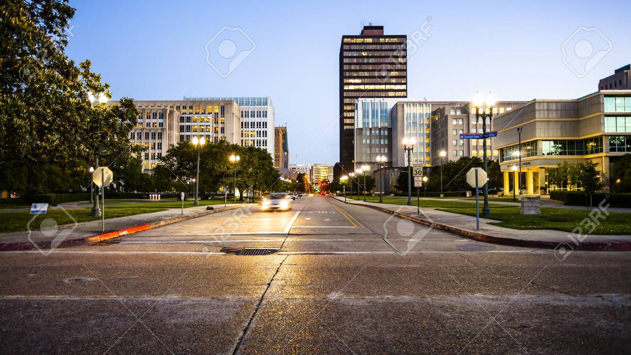 Street in downtown Baton Rouge, Louisiana as night falls - skyline - 60953609