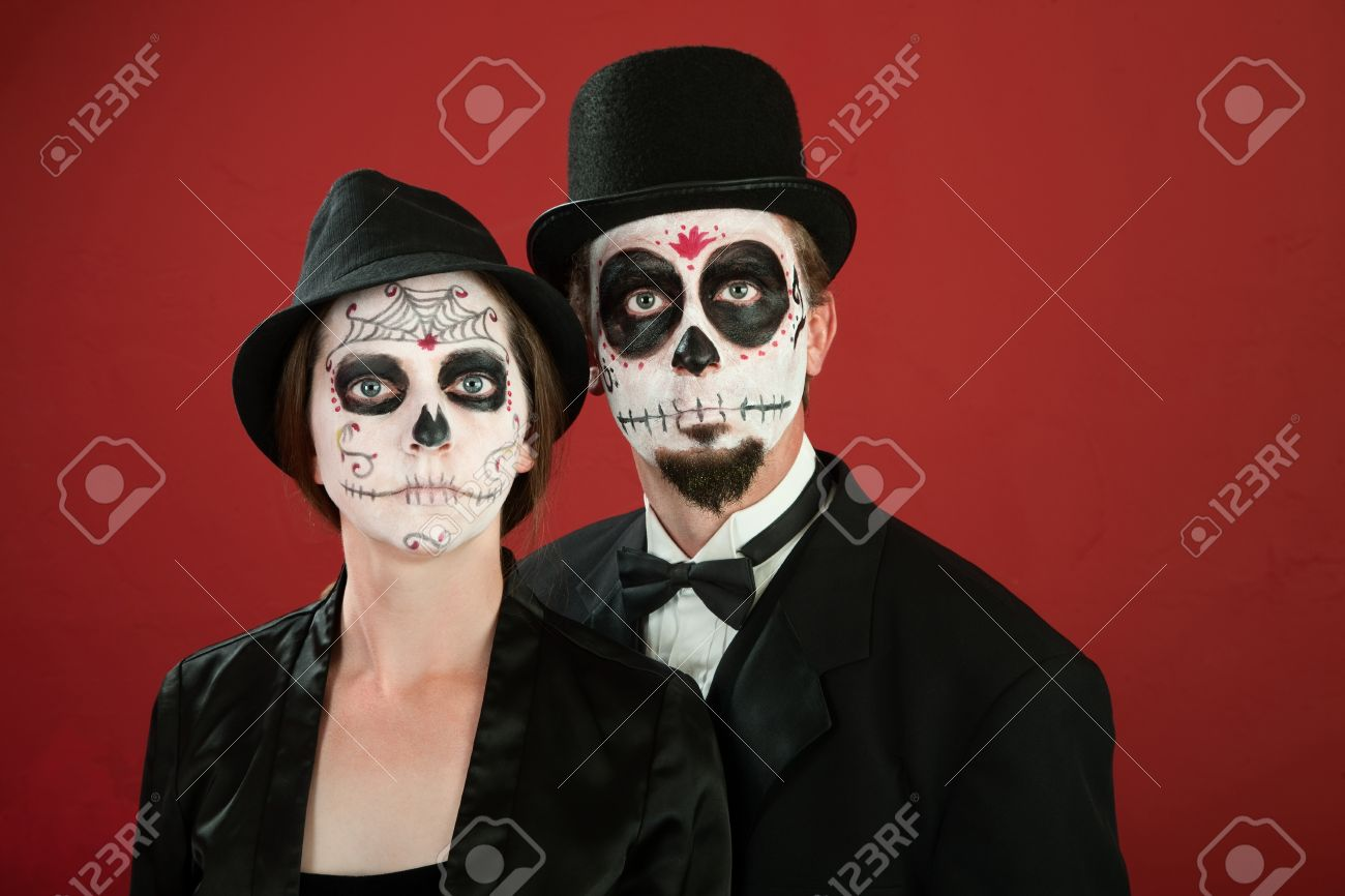 Day of The Dead Makeup Couple in Day of The Dead Makeup