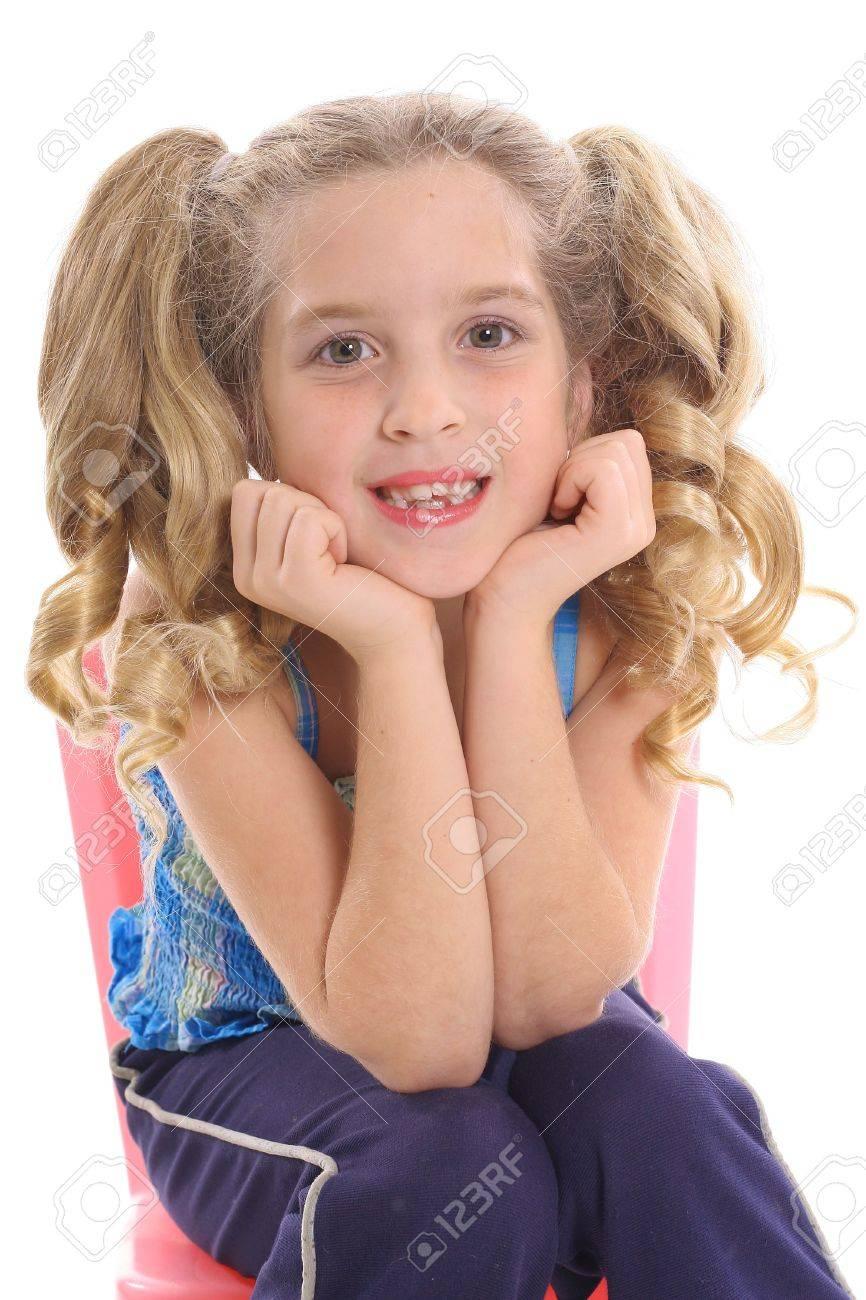 Kleine Mädchen große Schwänze