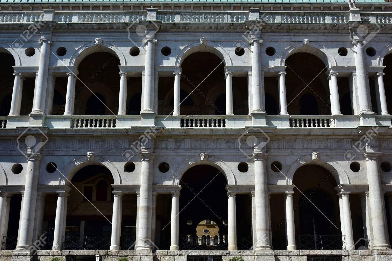 Detalle De La Basílica Palladiana Logia Con Arcos De Medio Punto Columnas Y Arquitrabes Conoce Como Serliana Una Perfecta Muestra De Arquitectura Renacentista Tardío En Italia Fotos Retratos Imágenes Y Fotografía De