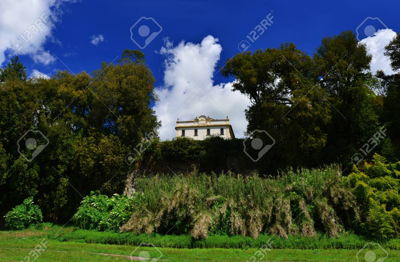 Villa Savorelli public park in the ancient medieval town of Sutri with  beautiful clouds, seen from the valley Banque d'images - 82824334