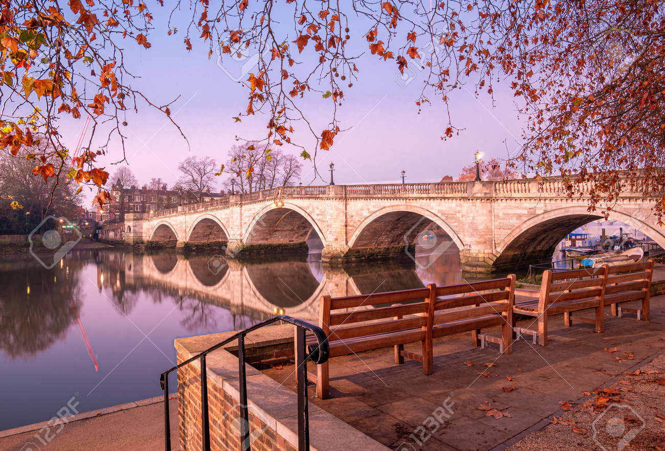 Autumn scene with the historical bridge architecture in Richmond Upon Thames, London - 161273126