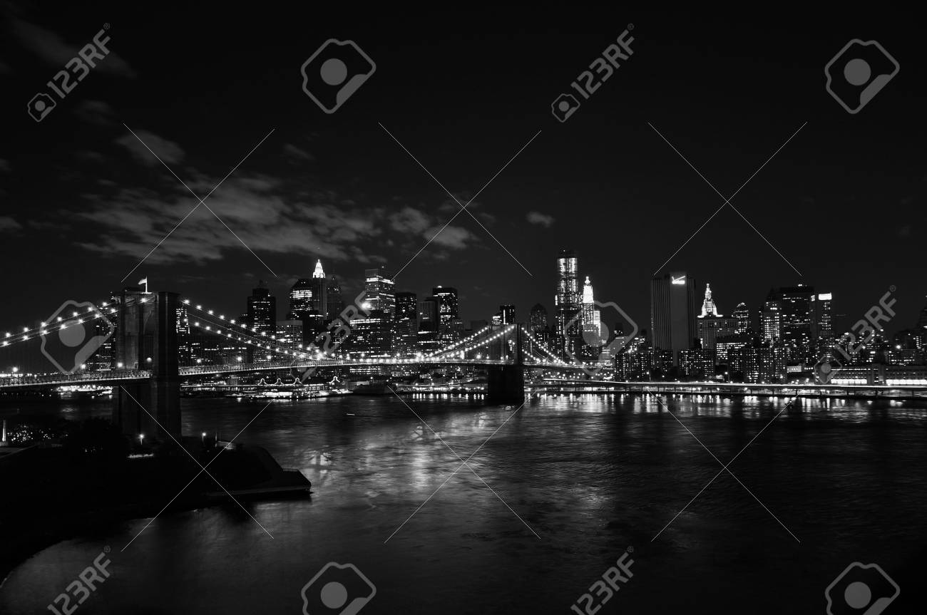 Brooklyn bridge at night - 16821176
