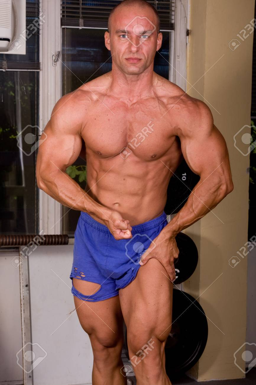 Bodybuilder posing Stock Photo - 6284413